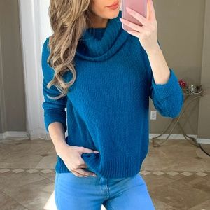 New Caslon Blue Cowl Neck Cuffed Sleeves Sweater